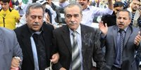叙利亚反对派代表团在开罗阿盟总部外遭抗议者扔鸡蛋