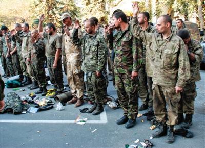 乌克兰军方称该国伞兵部队正与俄坦克营交战