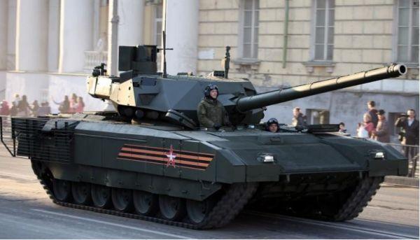 """俄新型无人机用线缆连接坦克:充当坦克""""天眼"""""""