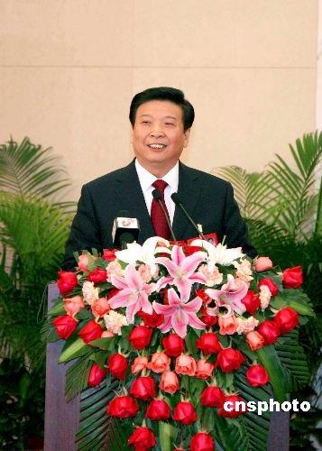 全国人大决定姜大明为国土资源部部长(图/简历)