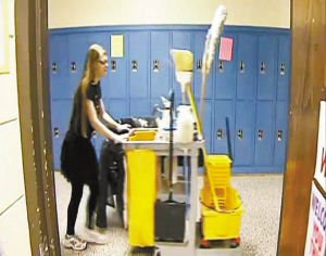 美无家可归课本被哈佛录取靠当清洁工完成女生学业选修数学4高中4图片