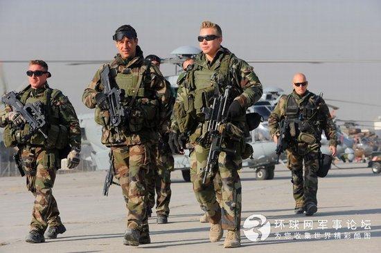 法国向中非增派150名伞兵 中国撤离200余侨民