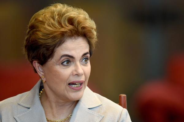 巴西总统罗塞夫停职后发声明:从未贪污过一分钱
