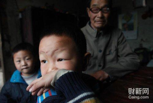 """湖南""""邵氏弃儿""""震惊全国 当地已成立调查组"""