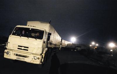 俄罗斯200辆救援车再入乌克兰 载2000吨物资