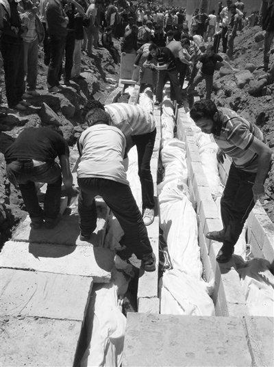 胡拉惨案幸存者忆恐怖细节 俄罕见谴责叙利亚