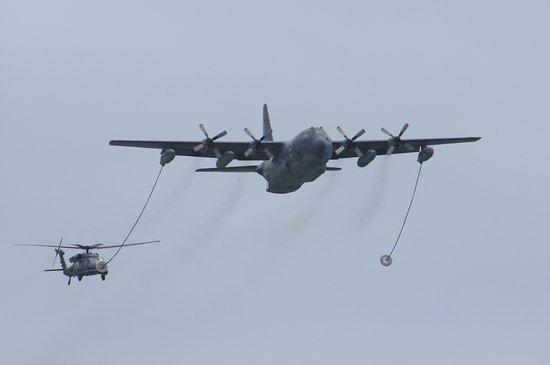 你相信吗?美军动用空中加油机搭救中国渔民