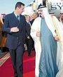 叙利亚总统巴沙尔(左一)与沙特王储阿卜杜拉(右一)