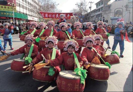 龙腾虎跃庆新春 载歌载舞闹元宵