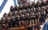 百名高校毕业生组团坐过山车