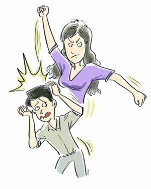 丈夫频遭老婆家暴报警求保护双手双脚伤痕累累