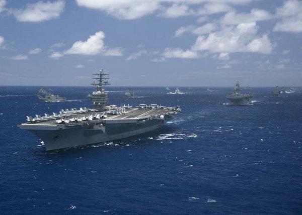 中国武装海警船编队载火炮今日巡航钓鱼岛领海