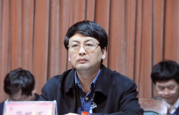曾担任信阳县副县长,罗山县县长,淮滨县委书记等职务.图片
