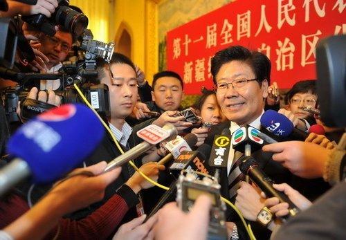 新疆区委书记张春贤:我会更加重视微博问政
