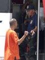 菲方谈判人员与劫匪对话