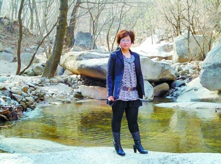 女编辑下河救人遇难 5岁女儿称见妈妈水里睡着