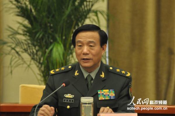 原总装备部政委王洪尧上将任军委装备发展部政委