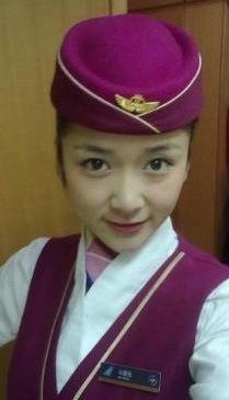 高清图—23岁空姐马爱伦iPhone5充电时打电话触电身亡