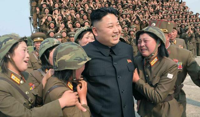 朝鲜女兵也偷中国农民