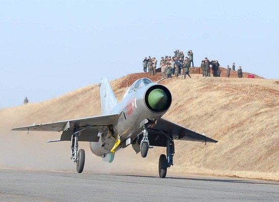 美媒:朝鲜战机日出动700次 规模不亚美韩军演