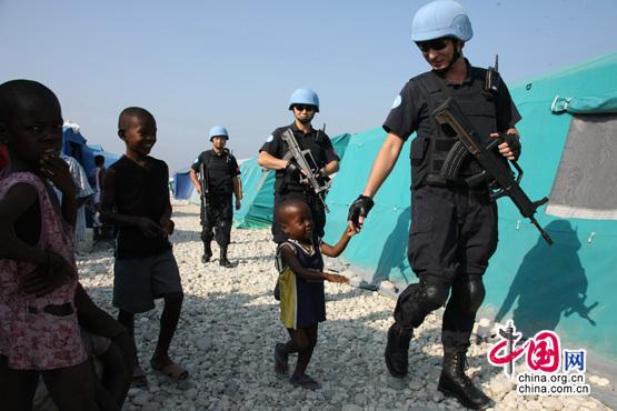 中国警察参加联合国维和行动十五周年战绩辉煌