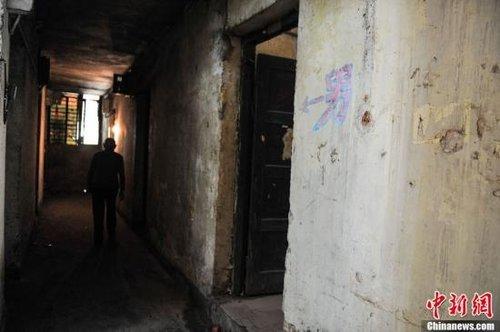 93岁抗战老兵蜗居公厕旁30年 曾暗杀伪市长(图)
