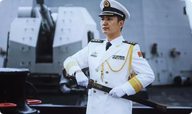 海军首次举行授剑仪式 来看看真正的帅是怎样的