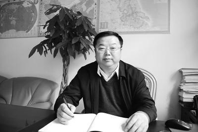 """江苏""""卖官局长""""受贿百万 多名行贿下属未追究_新闻_百辉网"""
