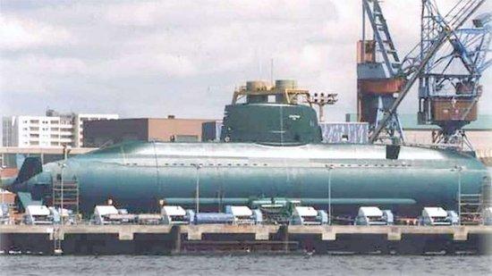 以色列海军第1艘德制AIP海豚级潜艇下水