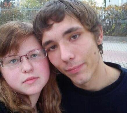 新闻哥吐槽:未婚夫出轨女记者跳楼,爱情不是全部何必单恋一人渣图片