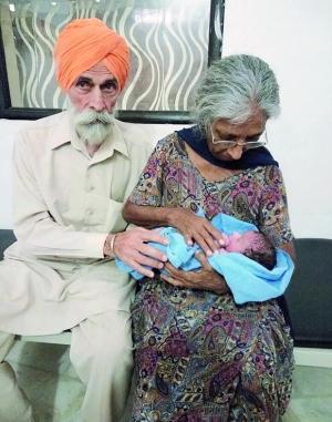 神反转!印度72岁老妇人工受孕生子竟为争遗产