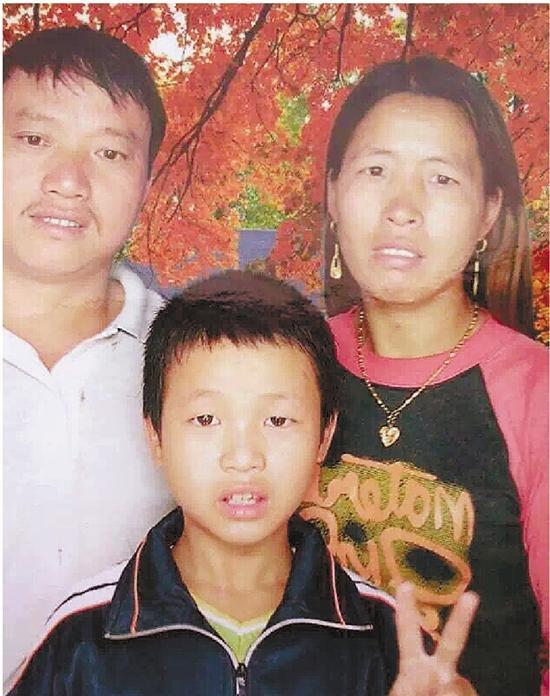 天津爆炸1名牺牲消防员的母亲借试管婴儿再怀孕