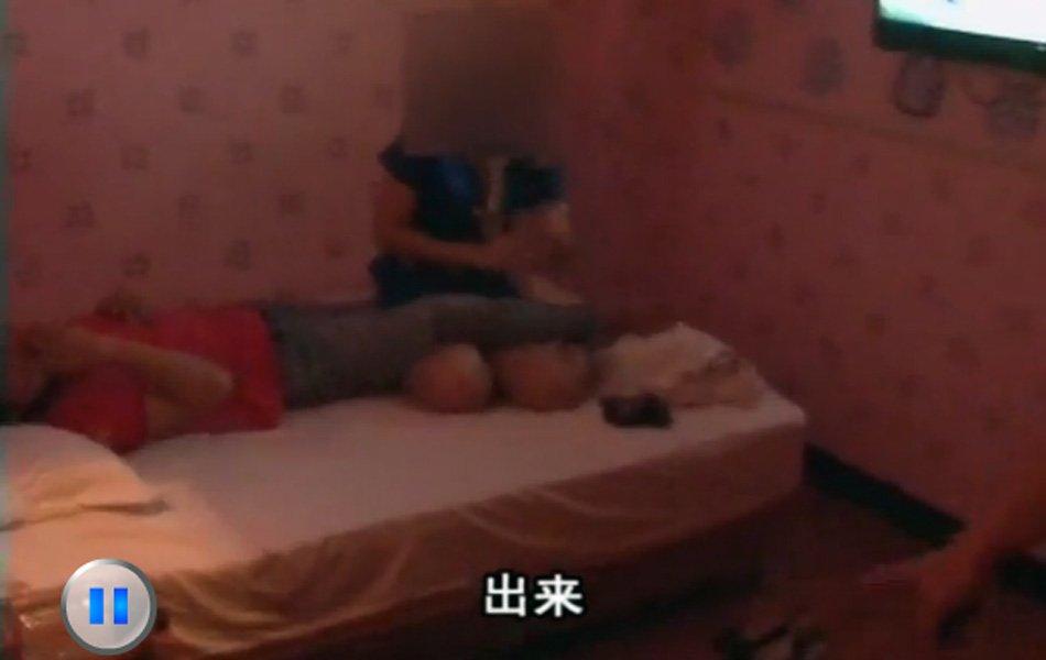 组图:深圳扫黄 现场抓获多名涉黄男女_新闻中