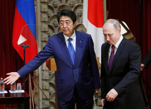 外媒:安倍日俄峰会完败 被普京像对孩子般戏弄