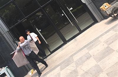 北京地下赌场曝光抓35人 团伙作弊勾引赌客输钱