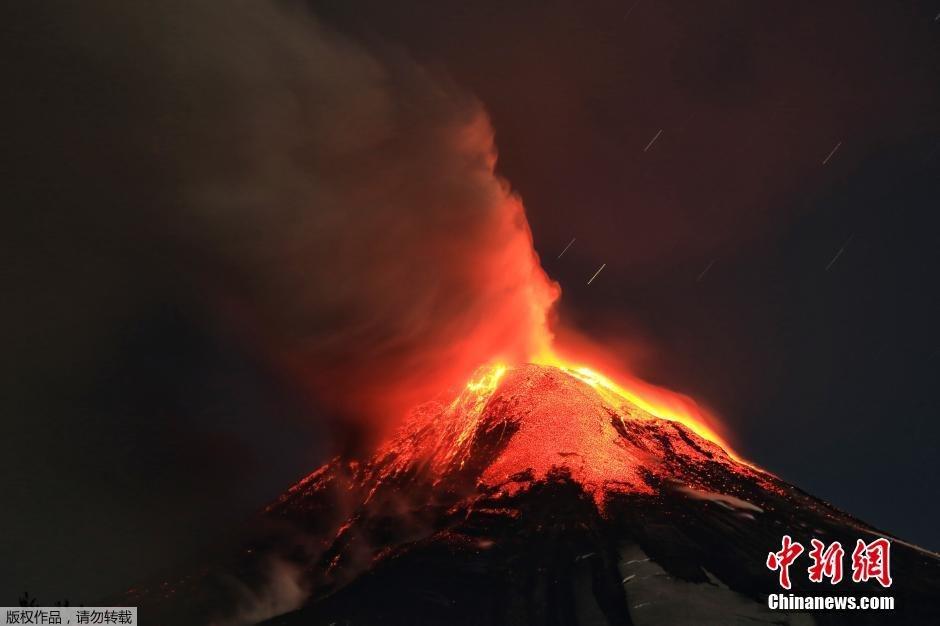 智利比亚里卡火山喷发 迫使周边村落数千人转移2015.3.4 - fpdlgswmx - fpdlgswmx的博客