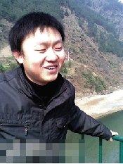 重庆被劳教大学生村官任职村望其平反后回岗