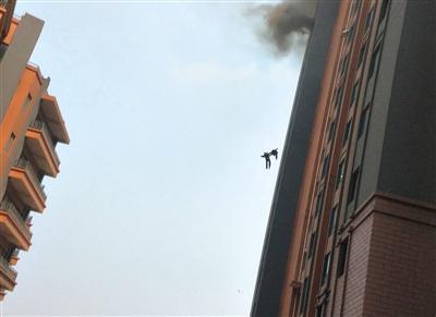 揭秘消防员现状:培训不足缺经验 常遇官员干预