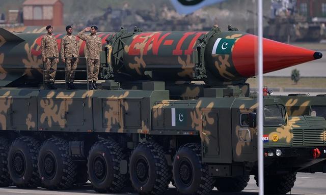 巴基斯坦防长对以色列发核威胁 因对假新闻信以为真