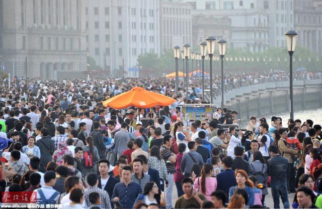 """瑞士景点因""""文化差异""""给中国游客开特殊列车"""