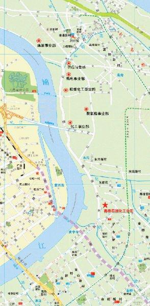 上海浦东高桥炼油厂起火 暂无人员伤亡(图)