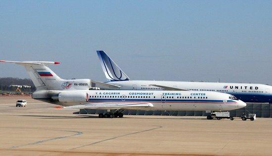 俄罗斯军事检查员乘图154侦察机在美国上空飞行