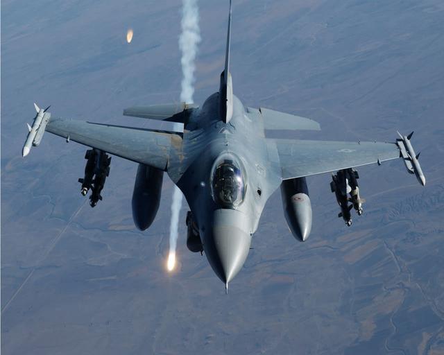 ��G�f�_美军f-16中东坠毁飞行员丧生 拒透露具体国家