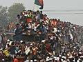 孟加拉数千穆斯林挤火车