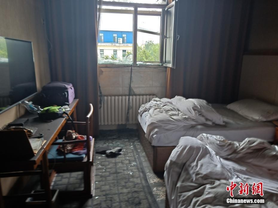 25日凌晨哈尔滨市松北区太阳岛一温泉酒店发生火灾.
