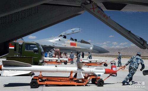 印度军机在藏南上空飞行 引发中方苏27紧急升空