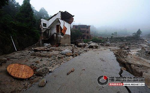 岳阳观山村:泥石流过后,房子没了(组图)