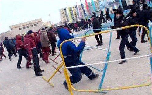 哈萨克斯坦骚乱城市实施紧急状态 已致11人遇难