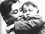 出生:生于白头山抗日游击的队宿营地