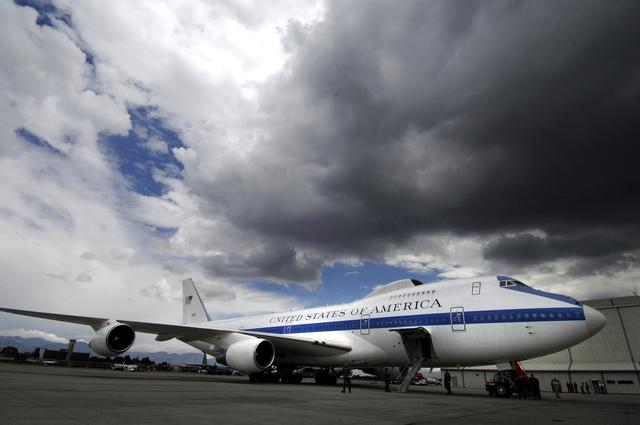 """龙卷风让美军损失惨重 或被迫替换""""末日飞机"""""""